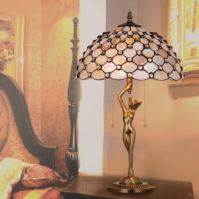 HoDel Bronzeakt tiffany asztali lámpa